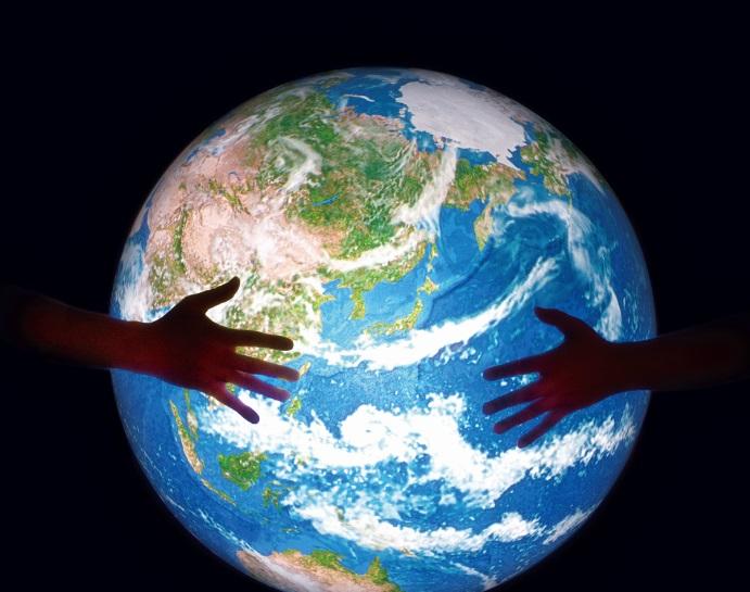 デジタル地球儀「触れる地球」